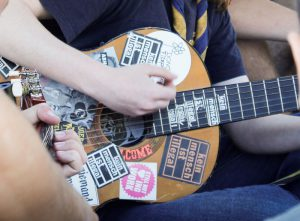 Lehrgang: Klänge der Demokratie – Gitarrenkurs für Anfänger*innen @ Jungbrunnen –  Haus der Jugendorganisationen